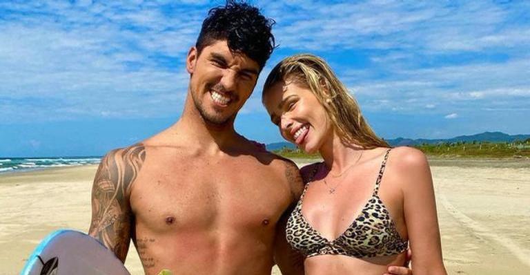 Após rumores de gravidez, Yasmin Brunet se declara para Gabriel Medina: ''Te amo''