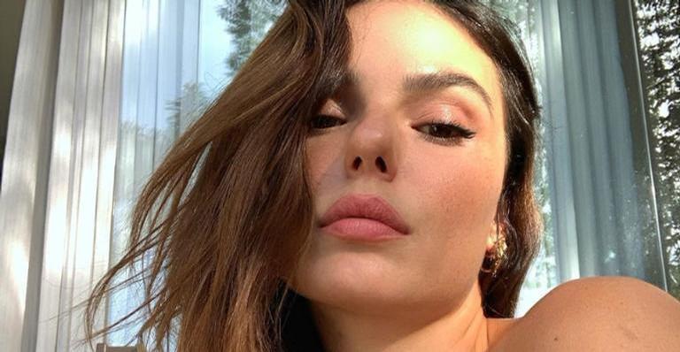 De biquíni, Isis Valverde exibe corpo escultural em clique repleto de beleza: ''Maravilhosa''