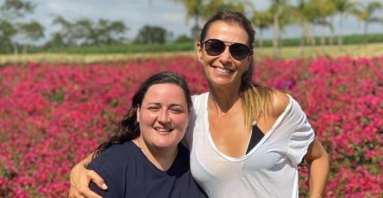 Mônica Martelli celebra aniversário de Juliana Amaral, irmã do humorista Paulo Gustavo