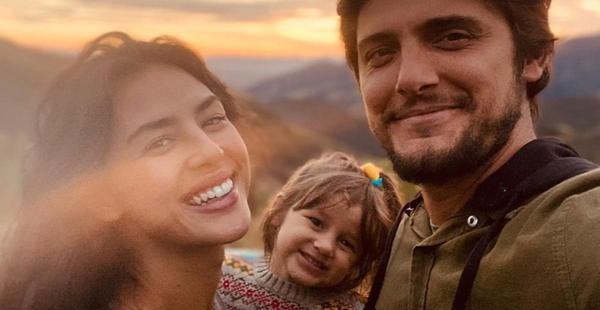 Yanna Lavigne flagra momento de carinho entre Bruno Gissoni e Madalena