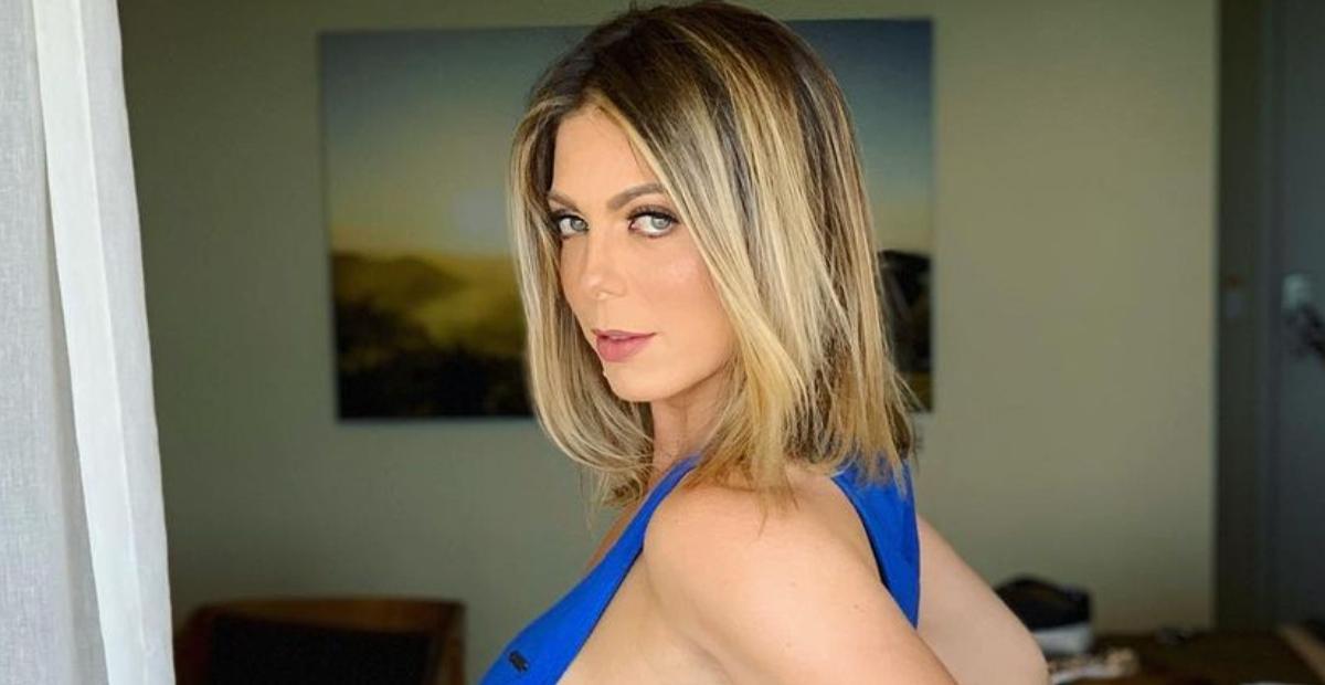 Fazendo topless, Sheila Mello relembra clique ousado no Havaí e eleva a temperatura: ''Linda''